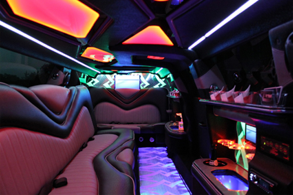 8 Person Chrysler 300 Limo Rental Santa Ana