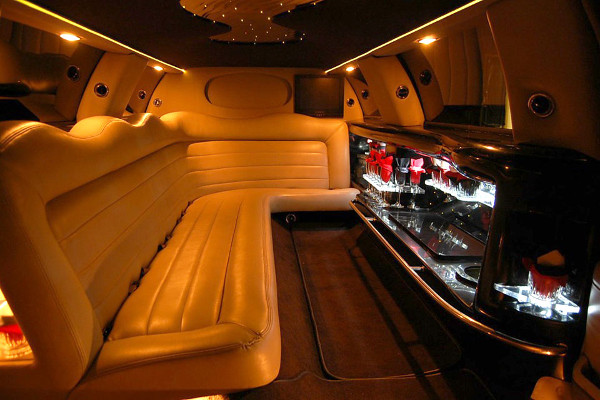 8 Person Lincoln Limo Service Santa Ana